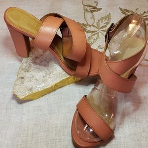 👡Bamboo Brand Size 8 1/2 Heels👡